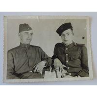 Фото солдат 40-е годы. Размер 8.5-11.5 см.