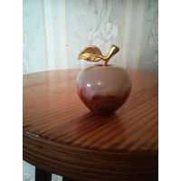 Сувенир - яблоко (оникс)