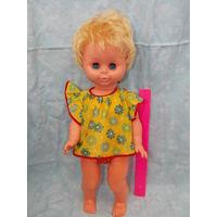 Кукла ГДР, немка, большая в родной одежде