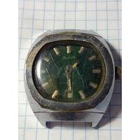Часы ,,Слава,,под реставрацию.Старт с 2-х рублей без м.ц.Смотрите другие лоты,много интересного.
