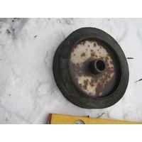 Прочнейшее колесо советского военпрома от древней аэродромной подвозной тележки.вечное.