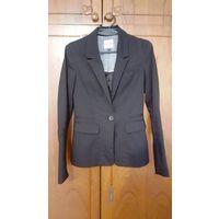 Черный пиджак Bershka.СРОЧНО.ПЕРЕЕЗД