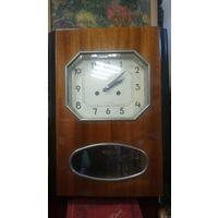 Часы Янтарь, настенные с боем.