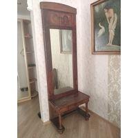 Старинный дамский столик с зеркалом