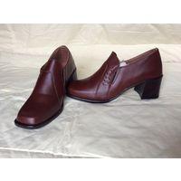 Туфли женские, кожаные, коричневые, закрытые, новые, 38 размер