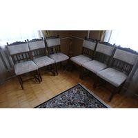 Комплект антикварных стульев