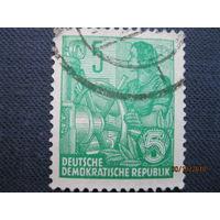 Марка ГДР 1953 год Женщины/Профессии