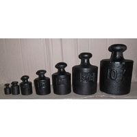 Чугунное литьё, набор гирь от 10 kg до 100g- в комплекте. Начало прошлого века.