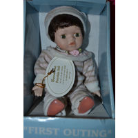 Фарфоровая куколка.