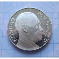 Настольная медаль ФРГ Конрад Аденауэр