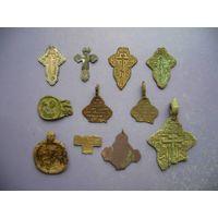 Крестик (и) старые деформ. оброзок, медь, серебро 84 пр. (цена за все)