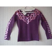 Новая кофта свитер французского бренда Leo Guy Франция 46-48 (M/L) размера.Кофта роскошно расшита пайетками в цвет кофты, оформлена кружевом.Отличный состав: шелк с шерстью
