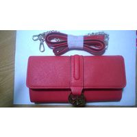 Красный стильный клатч