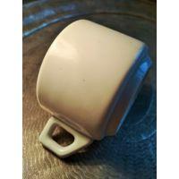Кружка чашка в стиле Art-Deco толстый фарфор 40-50 гг. Европа высота 6 см., диаметр 8.3 см. Без сколов и трещин