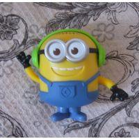 Миньон #2 игрушка из Макдональдса