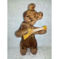 Медведь балалаечник СССР мишка с балалайкой заводной