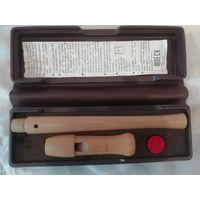 Винтажная деревянная (клён) блок флейта Moeck в футляре.
