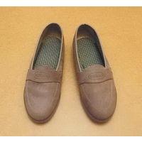 Женские туфли из замши. Р-р 36. Бежевые.
