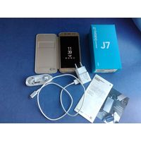 Смартфон Samsung J7