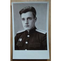 Фото молодого лейтенанта. 1954 г. 8.5х13 см