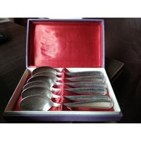 Комплект чайных ложек из мельхиора с серебряным покрытием.