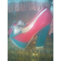 НОВЫЕ Модные туфли замшевые 36 размер