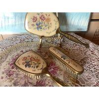 Старинный Набор на туалетный столик Зеркало Расческа Щетка Англия Вышивка
