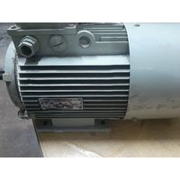Электродвигатель 2.2кв 1000об лапы