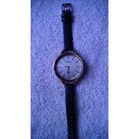 """Часы наручные кварцевые. """"Dalas """" ремешок чёрный, искуственная кожа. распродажа"""