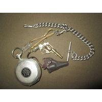 Большие серебряные часы Г.Ф.Жако Локль с цепочкой и шатленом(наган и погончик на галуне) 1908 год.