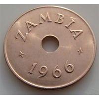 Замбия. 1 пенни 1966 год  KM#5   Один год чекана!