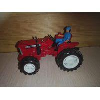 Модель трактора.1/32