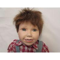 Вечно улыбающийся Джозеф Кукла фарфоровая