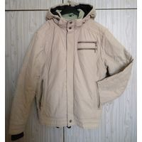 Куртка р.48, капюшон отстегивается .