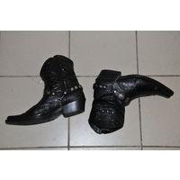 """Оригинальные """"казаки"""" купленные в Турции в дорогом магазине. Натур кожа,клейма каблук,посеребряный орнамент."""