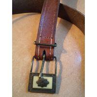 Старый брючный кожаный ремень 115*2,3 см