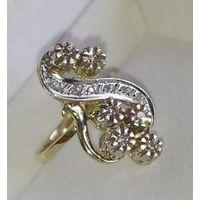 Шикарное золотое кольцо-перстень с природными бриллиантами.