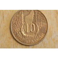 Мадагаскар 10 франков 1953(один год)