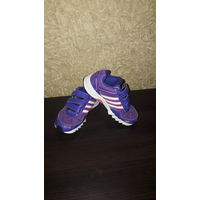 Кроссовки Adidas для девочки размер 29.