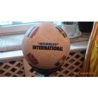 Мяч кожаный.
