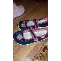 Кеды, кроссовки 28 и 30 размер