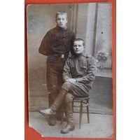 Фото дух юношей. 1917 г. 8.5х14 см.