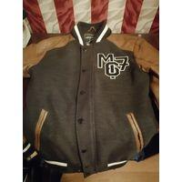 Куртка для парней, в идеальном состоянии без повреждений, на рост 170-175,раз S(46)
