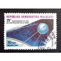 Мадагаскар 1982 г. Космос, 1 марка #0056-K1