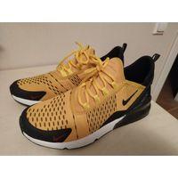 Кроссовки Nike р.40