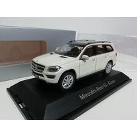 Mercedes GL 1/43 Norev