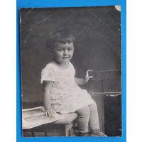 Фото девочки. 1920-30-е. 9х12 см