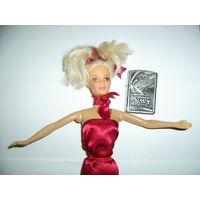 Кукла псевдобарби в красном платье