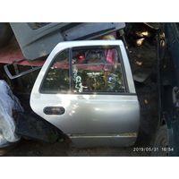 Лот 800. Задняя правая дверь Nissan Sunny N14. Любая запчасть с двери за 5 рублей! Пишите в комментарии что покупаете.