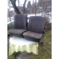 Сиденья передние в втомобиль форд сиерра или БМВ 3